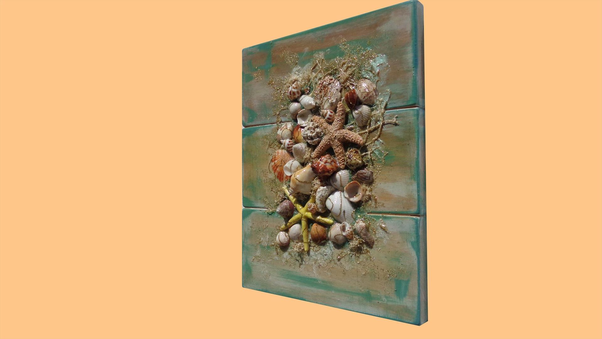 Quadri Fiori Moderni : Composizione di conchiglie su legno vendita quadri