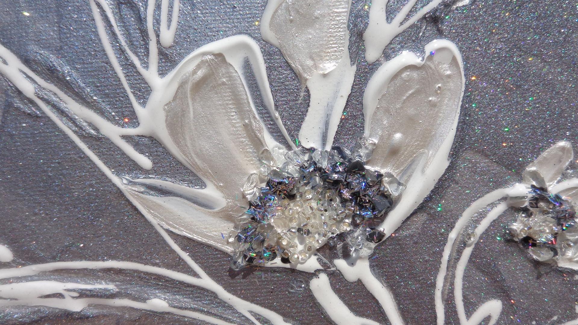 Fiori piccoli argento vendita quadri online quadri for Quadri moderni fiori dipinti a mano
